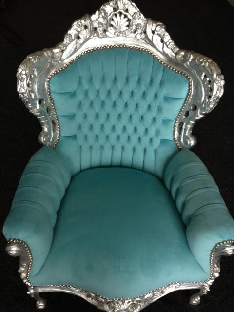 Barok stoel babyblauw bij springkussen concurrent for Barok stoel